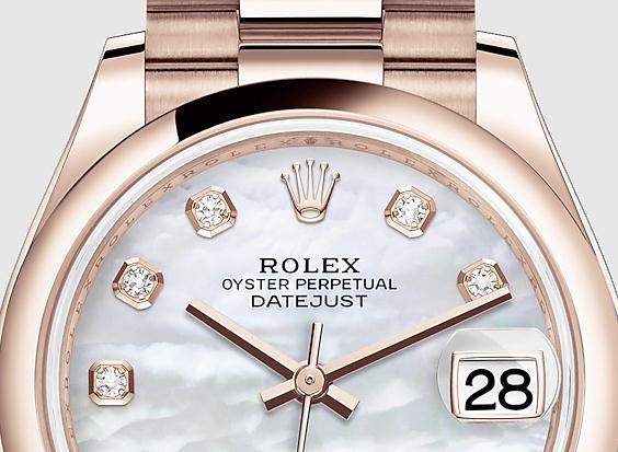 The whole everose gold watch bodies are more appealing to modern women.