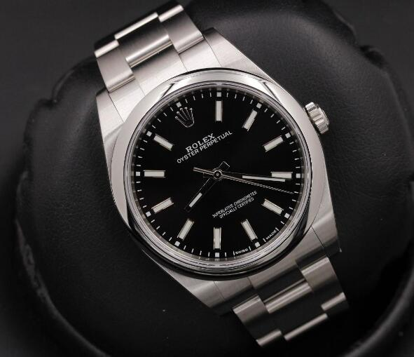 The cheap but classic Rolex could be a best choice as the first watch in your life.