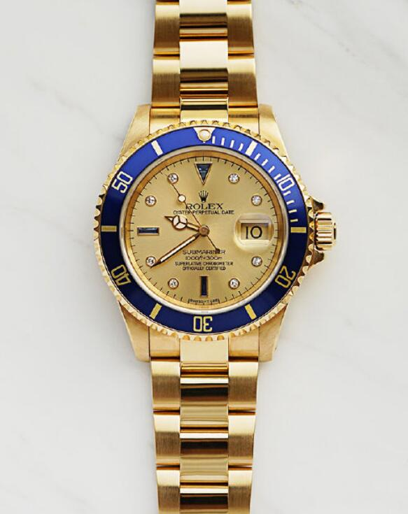 Online duplication watches sales apply gold material.