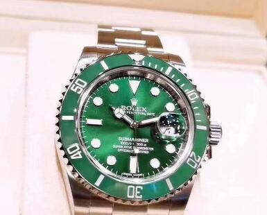 The green Submariner looks fresh and pure.