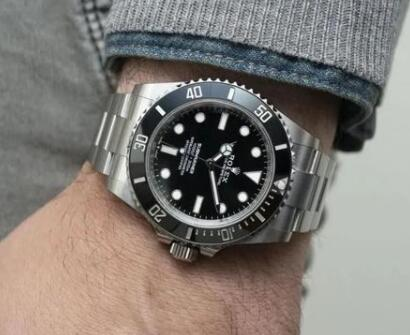 The best fake Rolex Submariner is good choice for men.