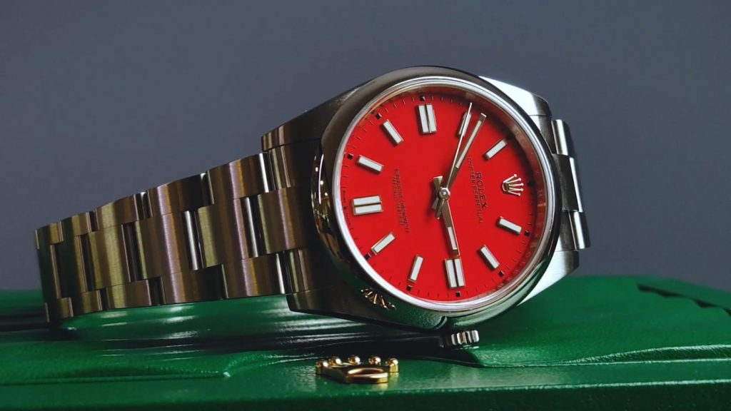 The new color matching of the best fake Rolex has attracted many young men.
