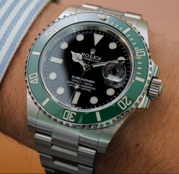 The best Rolex Submariner is one of the most popular diving watches.