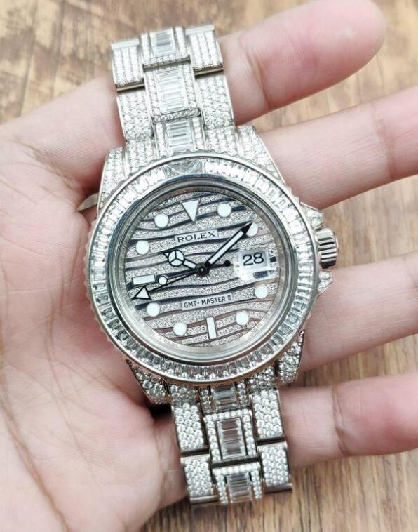 Perfect replica watches are totally decorated with diamonds.