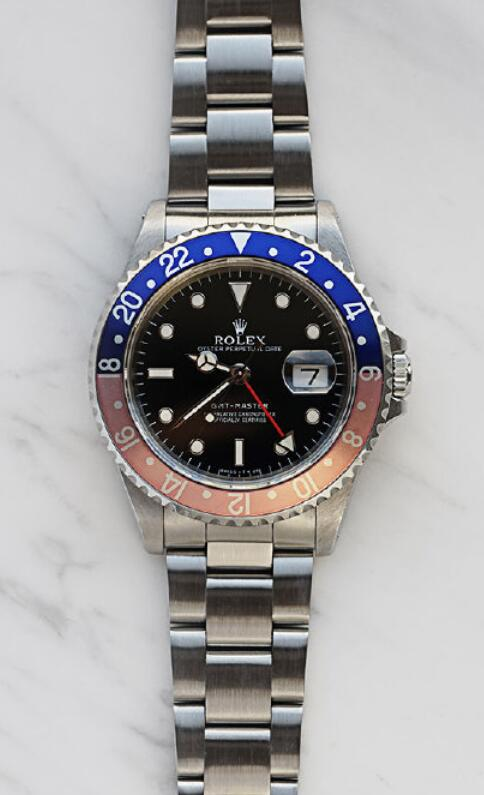 Online fake watches are driven by the Calibre 3175.